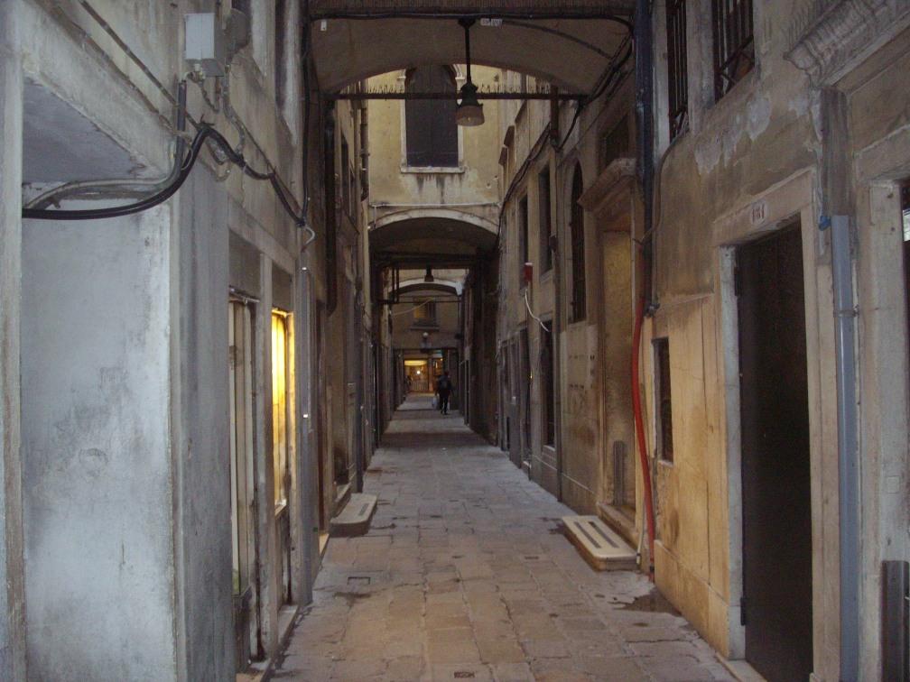 calle_del_cappello_san_marco_venice